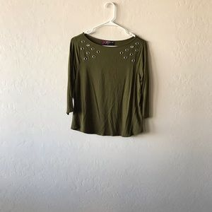 GREEN MID-LENGTH TOP!!